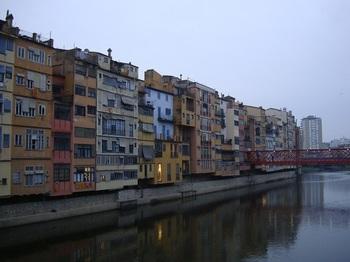 Girona03_river,bridge.JPG
